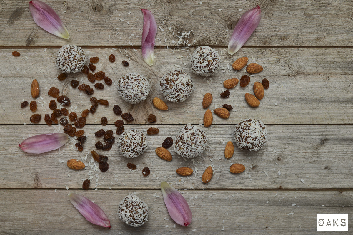 rawfood raisin coconut